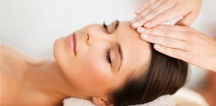 Facial Treatments By Lynn Day Spa Skin Care Beauty Parlour PNG